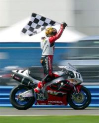 Miguel Duhamel winning the 2002 Daytona 200